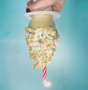 Heladería SATÁNICA hace helados con temas anticristianos