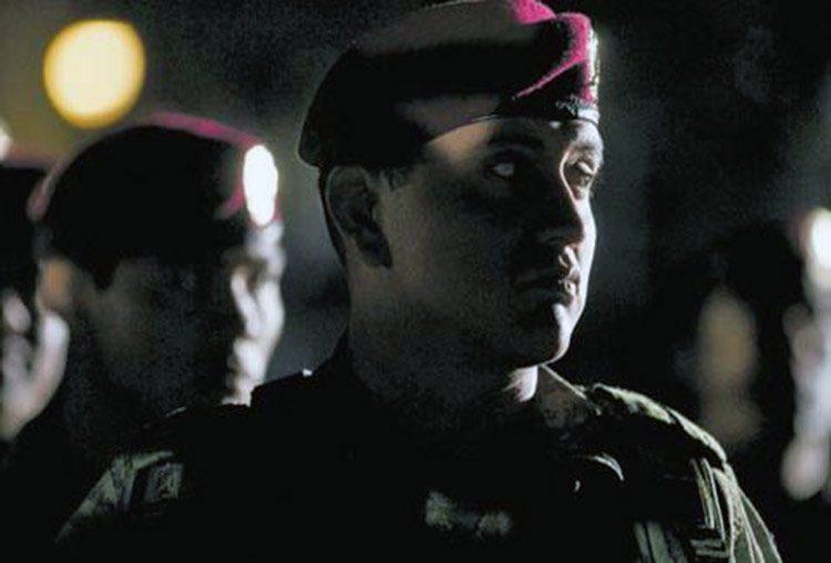 Soldados oran antes de salir a combatir el narcotráfico
